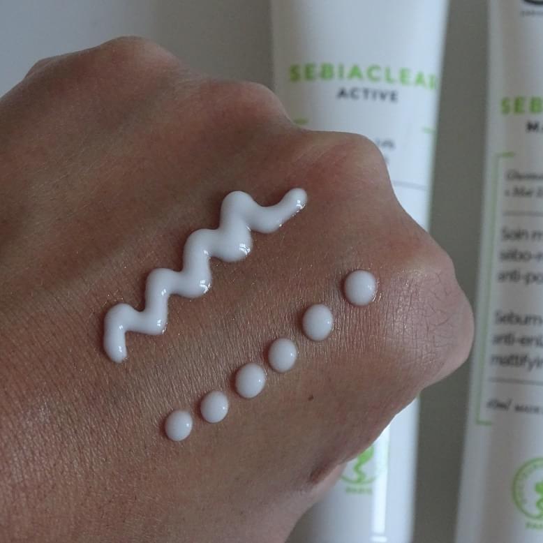review kem dưỡng Niacinamide SVR Sebiaclear